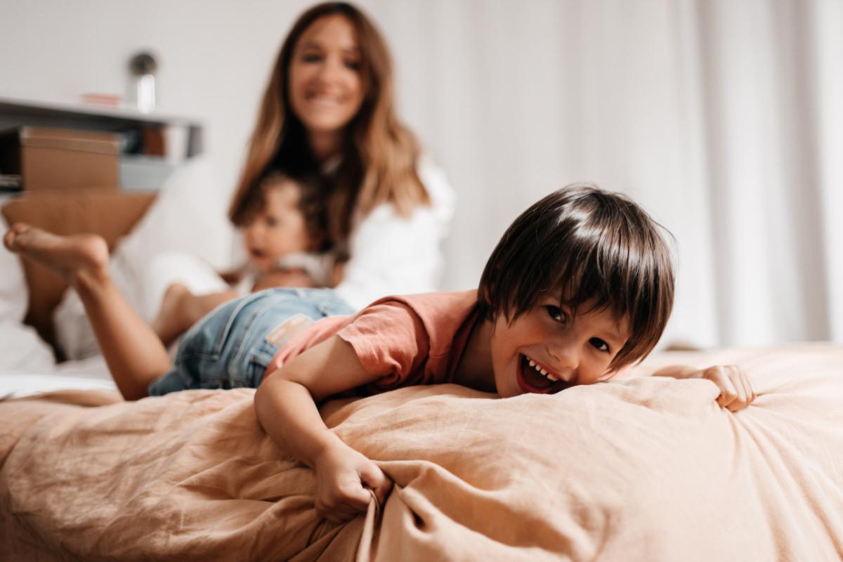 Photographies de famille à la maison - Amour Etc.